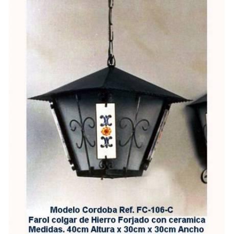 Lanterne di illuminazione in ferro battuto. Lanterne in ferro battuto rustico. fatto a mano