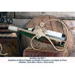 Estante del vino del hierro labrado