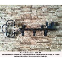 Appendiabiti in ferro battuto. Appendiabiti in ferro battuto. P-305. decorazione