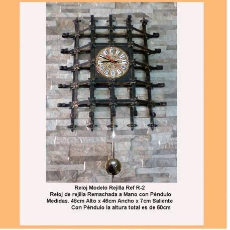 Horloges de fer forgé. Horloges rustique en fer forgé. R2. médiéval