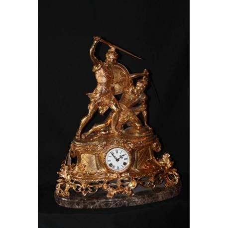 Figura de bronce. Reloj de bronce, de la batalla. hecho a mano