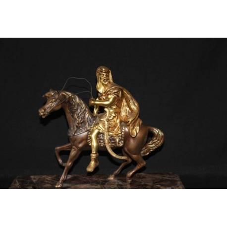 Figura de bronze. Grupo de bronze dos mouros. feito à mão