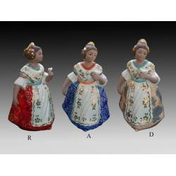 Figuras de porcelana de falleras de pie con pajarito en peana, serie limitada