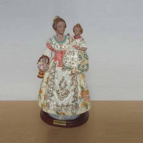 Figuras de porcelana, Madre con hija en una peana, serie limitada. compra. regalo. diseño vintage
