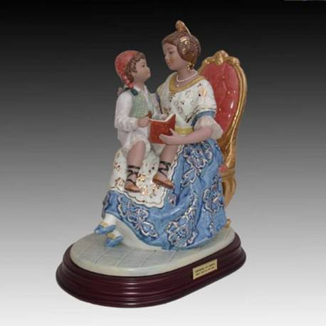 Porcelain figurines. Telling a story, with stand, limited edition