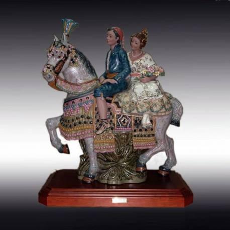 Figuras de porcelana. a caballo, valenciana grande con peana, serie limitada