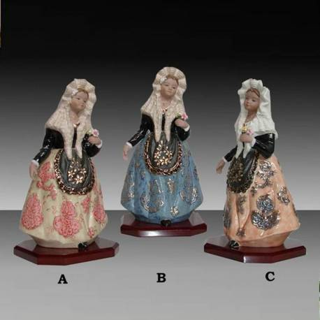 Alicante porcelain figures blanket, with stand, limited edition