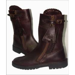 rustic boots. in leather. Classic. handmade. vintage design. buy. exclusivity