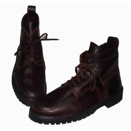 Stiefel mit Farbschnitt. Widerstand. handgemacht. Vintage-Design. Exklusivitat
