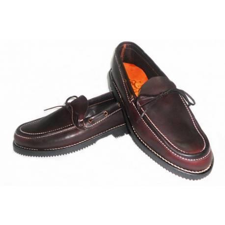 mocasines. zapatos nauticos de cuero. con lazo. hecho a mano. diseño clásico. comprar. exclusividad