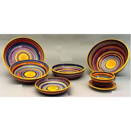 handgefertigte Keramik-Geschirr, mit Streifen. kaufen. berlin
